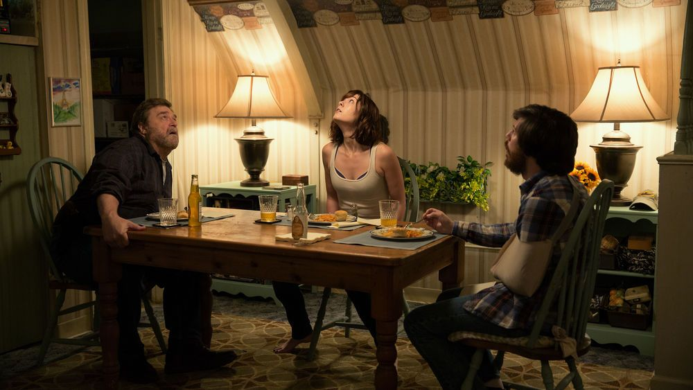 10 Cloverfield Lane family